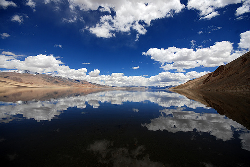 Tso Moriri Lake by Prabhu B